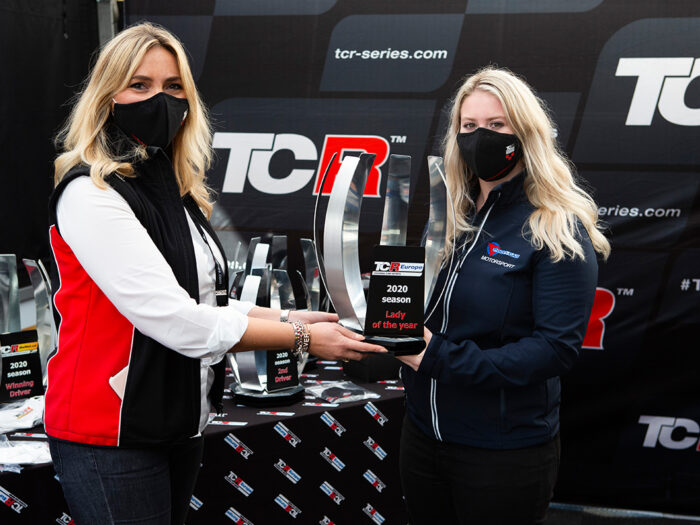 "Michelle Halder ist TCR Europe ""Lady of the Year"""